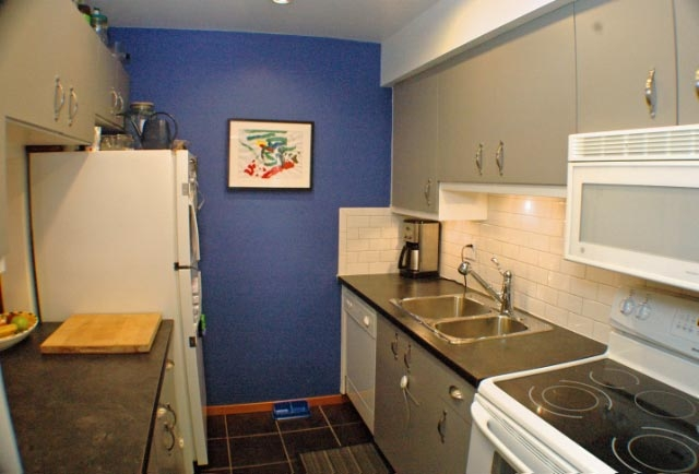 Photo 4: 105 1299 W 7TH Avenue in Vancouver: Fairview VW Condo for sale (Vancouver West)  : MLS(r) # V753278