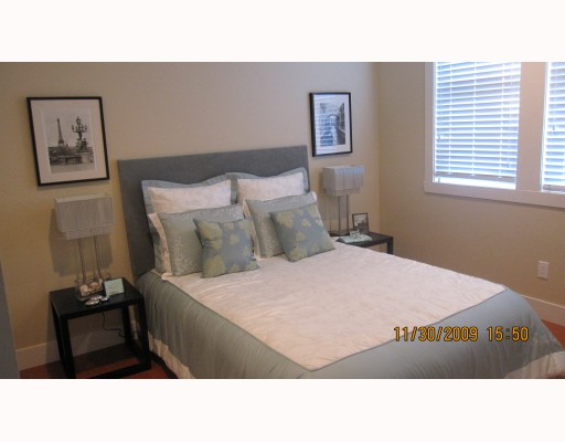 Photo 6: 1663 VICTORIA Drive in Vancouver: Grandview VE House 1/2 Duplex for sale (Vancouver East)  : MLS® # V799750