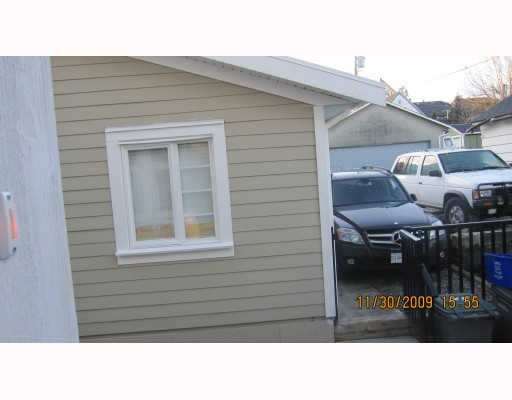 Photo 10: 1663 VICTORIA Drive in Vancouver: Grandview VE House 1/2 Duplex for sale (Vancouver East)  : MLS® # V799750
