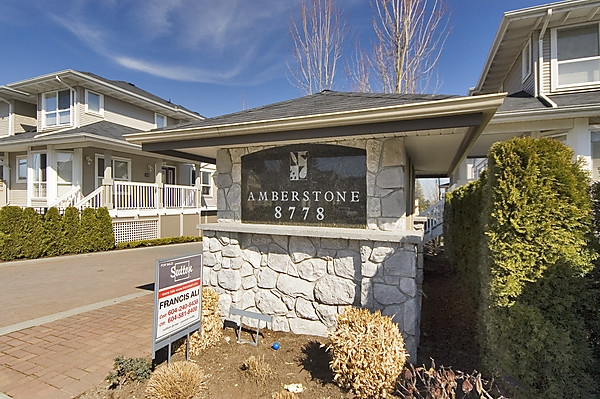 "Main Photo: 32 8778 159TH Street in Surrey: Fleetwood Tynehead Townhouse for sale in ""AMBERSTONE"" : MLS® # F2907244"