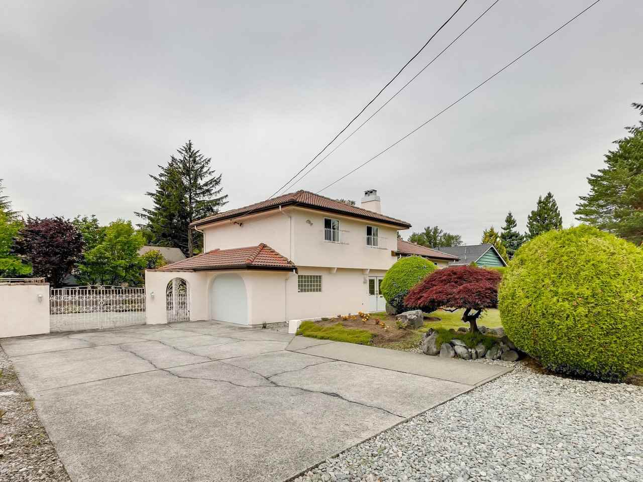 FEATURED LISTING: 3565 CHRISDALE Avenue Burnaby