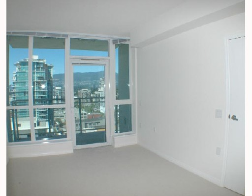Photo 8: 1907 188 E ESPLANADE Street in North_Vancouver: Lower Lonsdale Condo for sale (North Vancouver)  : MLS(r) # V726892