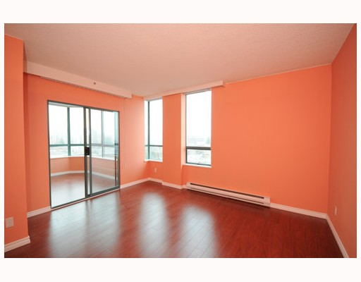 Photo 2: 704 1355 W BROADWAY BB in Vancouver: Fairview VW Condo for sale (Vancouver West)  : MLS(r) # V757633