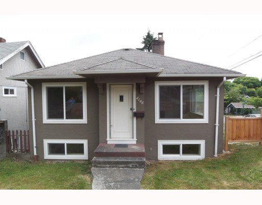 Main Photo: 2106 E 5TH Avenue in Vancouver: Grandview VE House for sale (Vancouver East)  : MLS®# V777112