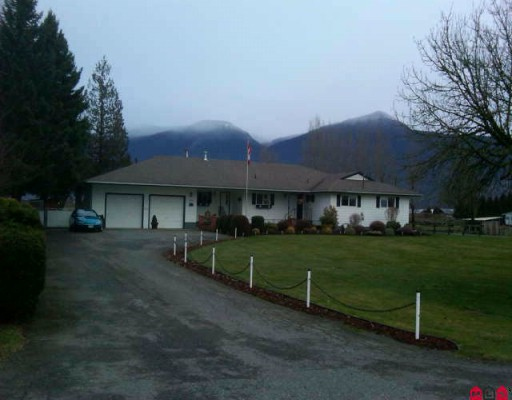 Main Photo: 8548 BANFORD Road in Chilliwack: East Chilliwack House for sale : MLS® # H1000556