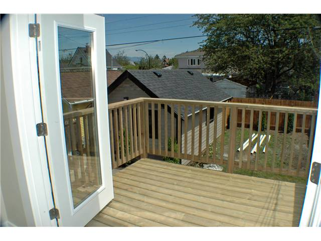 Photo 5: 5138 CHESTER Street in Vancouver: Fraser VE House for sale (Vancouver East)  : MLS(r) # V838434
