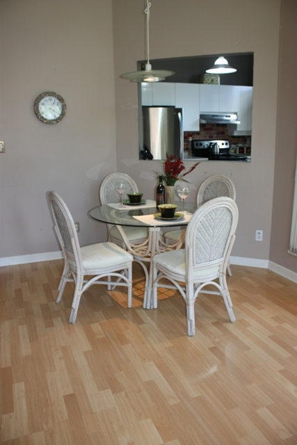 "Photo 6: 411 1199 WESTWOOD Street in Coquitlam: North Coquitlam Condo for sale in ""LAKESIDE TERRACE"" : MLS(r) # V842166"