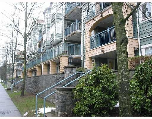 "Photo 1: 411 1199 WESTWOOD Street in Coquitlam: North Coquitlam Condo for sale in ""LAKESIDE TERRACE"" : MLS(r) # V842166"