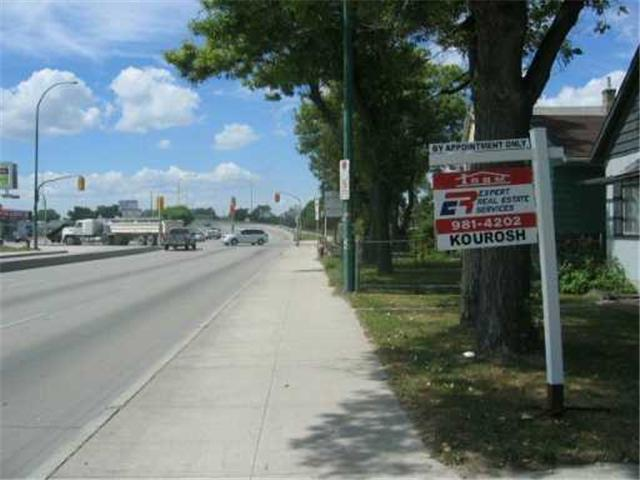 Photo 4: 639 NAIRN Avenue in WINNIPEG: East Kildonan Residential for sale (North East Winnipeg)  : MLS(r) # 2612863