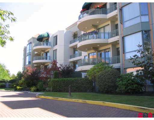 "Main Photo: 1725 MARTIN Drive in White Rock: Sunnyside Park Surrey Condo for sale in ""SOUTH WYND"" (South Surrey White Rock)  : MLS®# F2617090"
