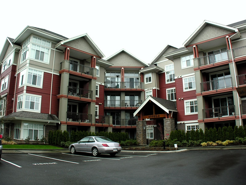 "Main Photo: 101A 45595 TAMIHI Way in Sardis: Vedder S Watson-Promontory Condo for sale in ""THE HARTFORD"" : MLS®# H2901302"