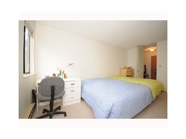 "Photo 6: 406 9890 MANCHESTER Drive in Burnaby: Cariboo Condo for sale in ""BROOKSIDE COURT"" (Burnaby North)  : MLS(r) # V848181"