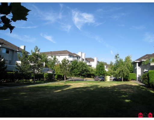 "Main Photo: 11 13640 84TH Avenue in Surrey: Bear Creek Green Timbers Townhouse for sale in ""The Trails"" : MLS®# F2822642"