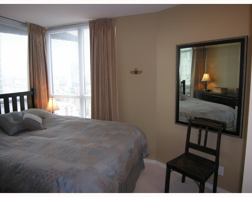 "Photo 5: 1907 1199 SEYMOUR Street in Vancouver: Downtown VW Condo for sale in ""BRAVA"" (Vancouver West)  : MLS® # V742072"