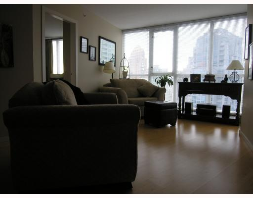 "Photo 4: 1907 1199 SEYMOUR Street in Vancouver: Downtown VW Condo for sale in ""BRAVA"" (Vancouver West)  : MLS® # V742072"