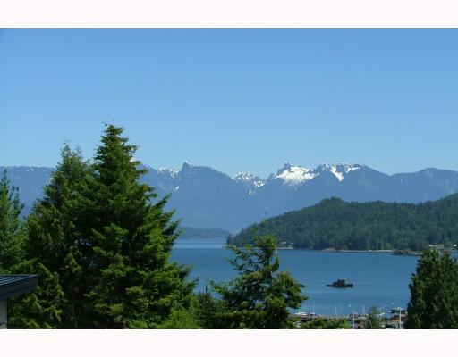 Main Photo: 458 ABBS Road in Gibsons: Gibsons & Area House for sale (Sunshine Coast)  : MLS® # V769677