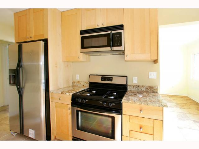 Photo 4: PACIFIC BEACH Condo for sale : 1 bedrooms : 829 MISSOURI STREET