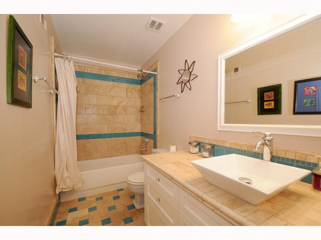 Photo 7: POINT LOMA Condo for sale : 2 bedrooms : 4325 Loma Riviera in San Diego
