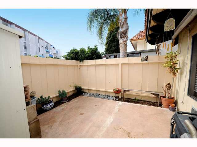 Photo 9: POINT LOMA Condo for sale : 2 bedrooms : 4325 Loma Riviera in San Diego
