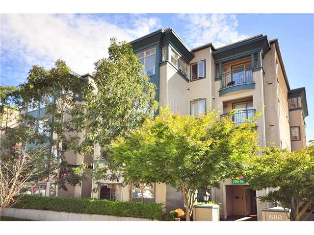 "Main Photo: 208 688 E 16TH Avenue in Vancouver: Fraser VE Condo for sale in ""VINTAGE EAST SIDE"" (Vancouver East)  : MLS® # V850110"