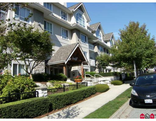 "Main Photo: 404 1685 152A Street in Surrey: King George Corridor Condo for sale in ""SUNCLIFF PLACE"" (South Surrey White Rock)  : MLS® # F2920850"