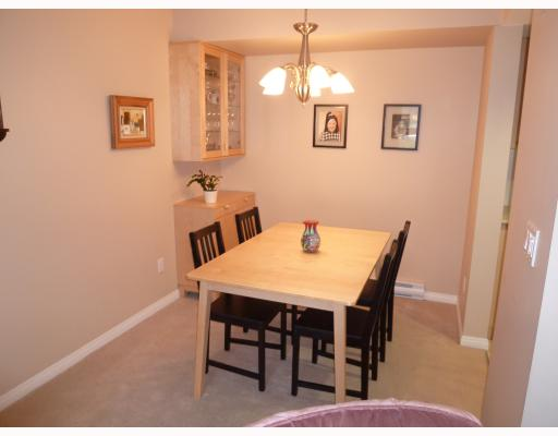 "Photo 3: 8 168 6TH Street in New Westminster: Uptown NW Townhouse for sale in ""ROYAL CITY TERRACE"" : MLS(r) # V802656"