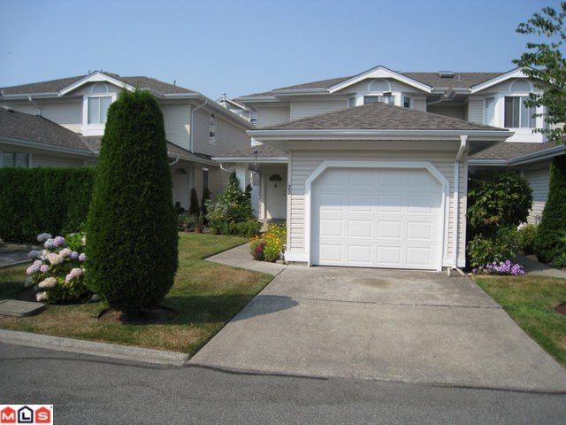 "Main Photo: 23 6489 121A Street in Surrey: West Newton Townhouse for sale in ""Sunwood Gardens"" : MLS® # F1020794"