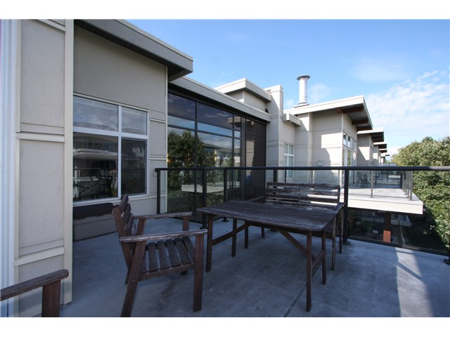 "Photo 10: 409 6328 LARKIN Drive in Vancouver: University VW Condo for sale in ""JOURNEY"" (Vancouver West)  : MLS® # V849499"