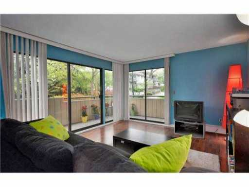 "Photo 4: 205 2277 MCGILL Street in Vancouver: Hastings Condo for sale in ""LANDMARK TERRACE"" (Vancouver East)  : MLS® # V832151"