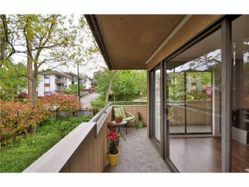 "Photo 7: 205 2277 MCGILL Street in Vancouver: Hastings Condo for sale in ""LANDMARK TERRACE"" (Vancouver East)  : MLS® # V832151"