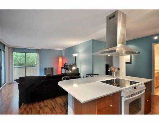 "Photo 2: 205 2277 MCGILL Street in Vancouver: Hastings Condo for sale in ""LANDMARK TERRACE"" (Vancouver East)  : MLS® # V832151"