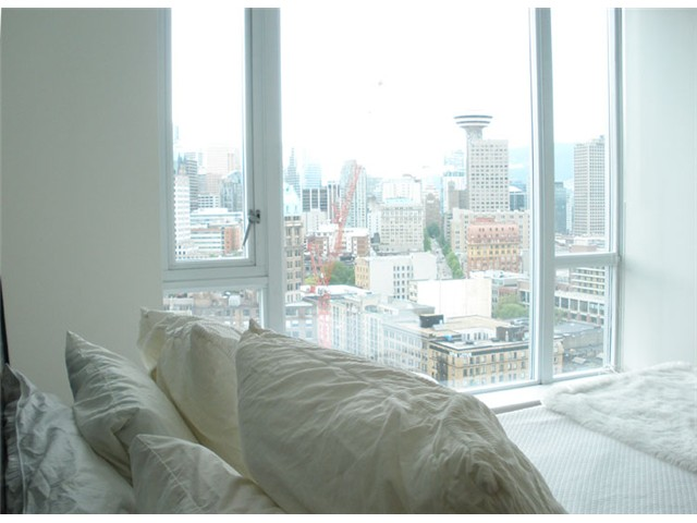 "Main Photo: 2701 550 TAYLOR Street in Vancouver: Downtown VW Condo for sale in ""TAYLOR"" (Vancouver West)  : MLS®# V833375"