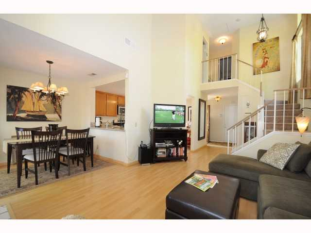Photo 8: CARMEL VALLEY Townhome for sale : 2 bedrooms : 12561 Caminito Mira Del Mar in San Diego