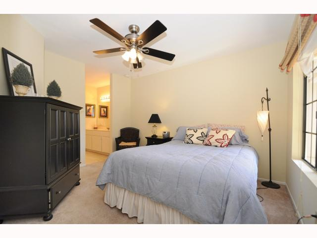 Photo 12: CARMEL VALLEY Townhome for sale : 2 bedrooms : 12561 Caminito Mira Del Mar in San Diego