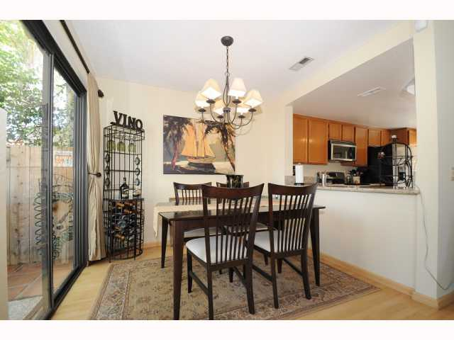 Photo 9: CARMEL VALLEY Townhome for sale : 2 bedrooms : 12561 Caminito Mira Del Mar in San Diego