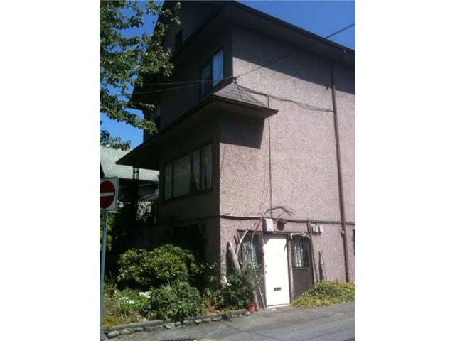 Photo 3: 918 VICTORIA Drive in Vancouver: Grandview VE House for sale (Vancouver East)  : MLS® # V844379