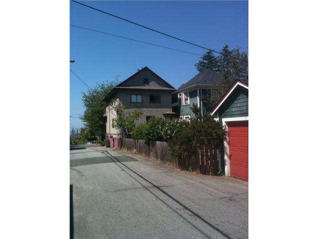 Photo 2: 918 VICTORIA Drive in Vancouver: Grandview VE House for sale (Vancouver East)  : MLS® # V844379