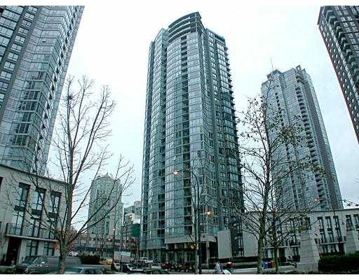 "Main Photo: 3202 1438 RICHARDS ST in Vancouver: False Creek North Condo for sale in ""AZURA I"" (Vancouver West)  : MLS®# V567434"