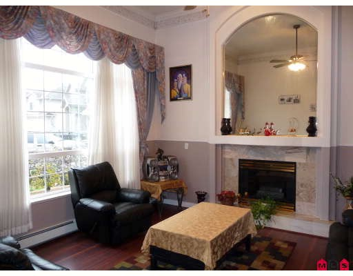 Photo 3: 3537 SUMMIT Drive in Abbotsford: Abbotsford West House for sale : MLS® # F2832440