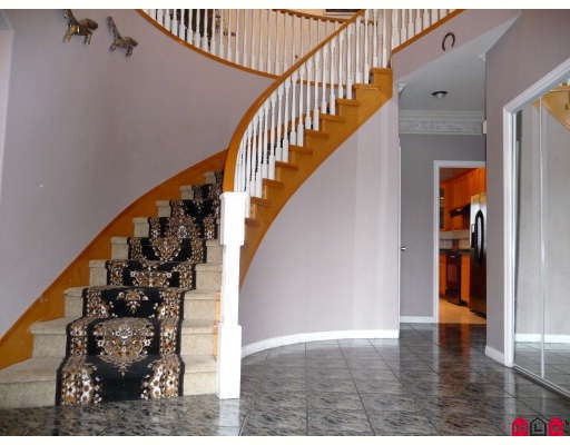 Photo 2: 3537 SUMMIT Drive in Abbotsford: Abbotsford West House for sale : MLS® # F2832440