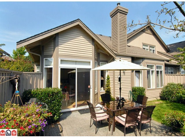"Photo 10: 3 14909 32ND Avenue in Surrey: King George Corridor Townhouse for sale in ""Ponderosa Station"" (South Surrey White Rock)  : MLS(r) # F1101085"