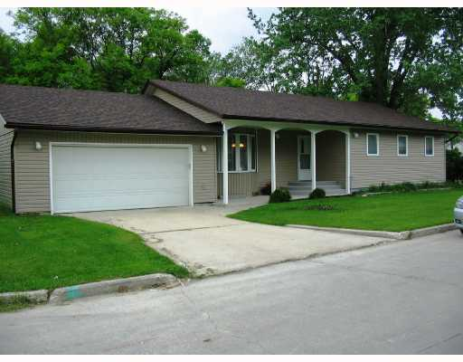 Main Photo: 378 ST GEORGE Road in WINNIPEG: St Vital Residential for sale (South East Winnipeg)  : MLS(r) # 2810955