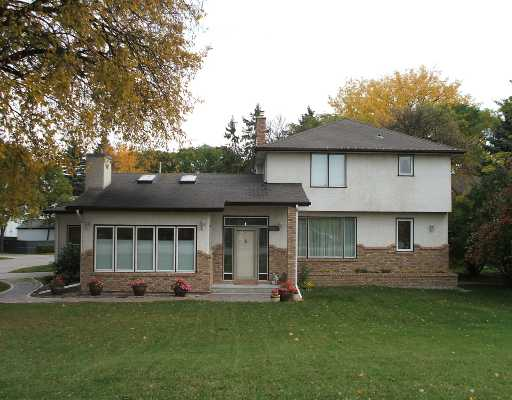 Main Photo: 275 LYNDALE Drive in WINNIPEG: St Boniface Residential for sale (South East Winnipeg)  : MLS® # 2819870