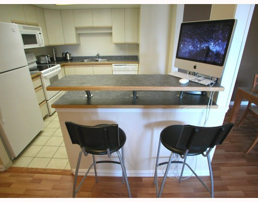 "Photo 4: 806 69 JAMIESON Court in New_Westminster: Fraserview NW Condo for sale in ""PALACE QUAY"" (New Westminster)  : MLS(r) # V770850"