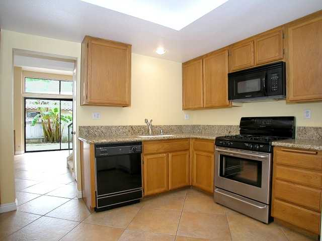 Photo 4: CARMEL VALLEY Townhome for sale : 2 bedrooms : 3663 Caminito Cielo Del Mar in San Diego