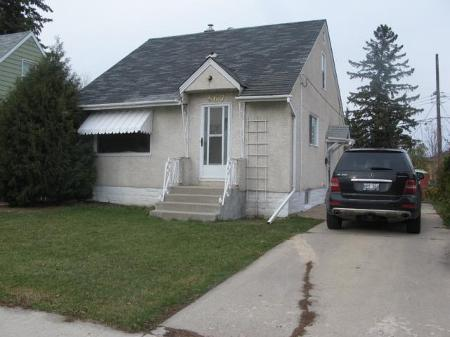 Photo 5: Photos: 667 MANHATTAN Avenue in Winnipeg: Residential for sale (Elmwood)  : MLS®# 1121797