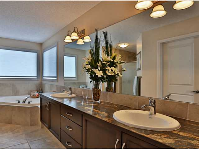 Great ensuite with soaker tub and double sinks