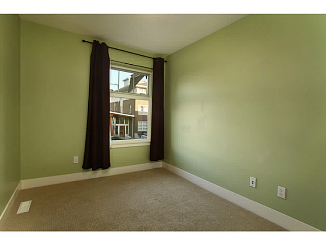 "Photo 10: 224 BROOKES Street in New Westminster: Queensborough Townhouse for sale in ""PORT ROYAL"" : MLS® # V1047643"