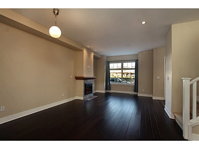 "Photo 2: 224 BROOKES Street in New Westminster: Queensborough Townhouse for sale in ""PORT ROYAL"" : MLS® # V1047643"