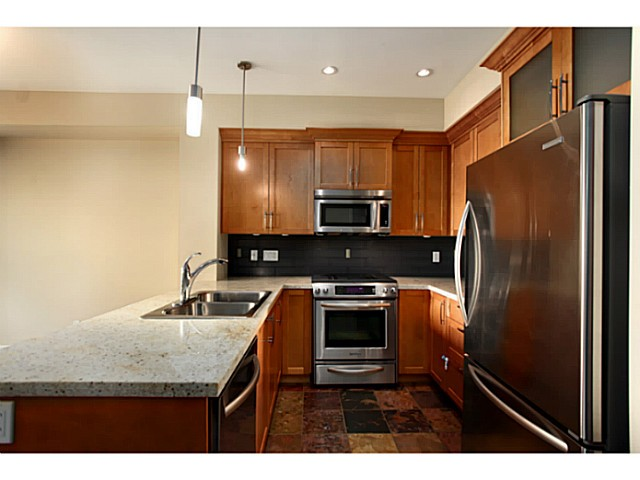 "Photo 4: 224 BROOKES Street in New Westminster: Queensborough Townhouse for sale in ""PORT ROYAL"" : MLS® # V1047643"
